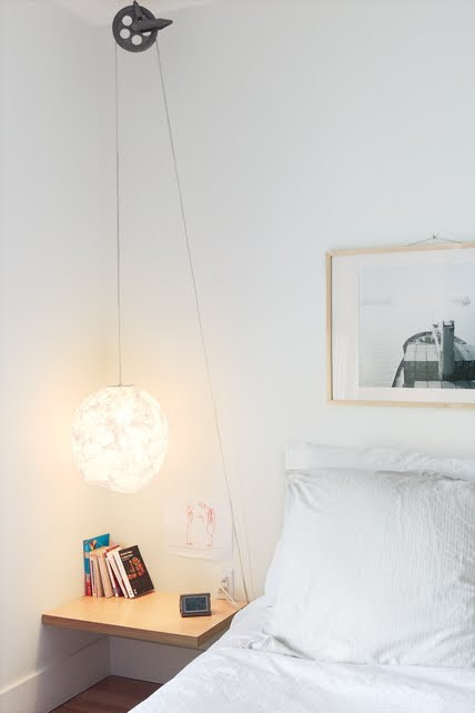 cool-hanging-bedside-lamps-004