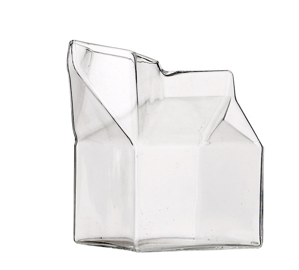 Milk_jug_Glass_vase_grande